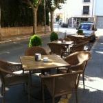 L'El Racó de Castelló est une maison d'hôtes située dans la ville médiévale de Castelló d'Empúries. Elle dispose de chambres avec chauffage, d'un parking privé gratuit et d'un restaurant avec deux terrasses.