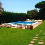 Niché au cœur de jardins abritant une piscine extérieure ouverte en saison, l'établissement Apartamentos Rayon du Soleil se trouve à 1 km du centre de S'Agaró et à 800 mètres de la plage. Un parking gratuit se trouve à proximité.