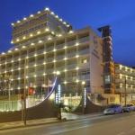 Implanté au cœur de la Costa Brava, cet hôtel de bord de mer se trouve à seulement 500 mètres du centre de l'Estartit et du port animé. Il dispose de piscines intérieure et extérieure, d'un spa et d'une salle de sport.