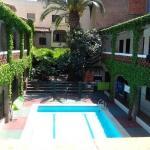 Lloret de Mar: séjournez au cœur de la ville  L'Hotel Planas propose des chambres avec vue sur le jardin ainsi qu'une piscine extérieure ouverte en saison à 50 mètres de la plage de Lloret de Mar. Il sert un petit-déjeuner buffet sur une agréable terrasse.