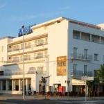 Roses: séjournez au cœur de la ville  Situé en bord de mer, l'hôtel Marina se trouve dans le centre de Roses. Il propose l'accès gratuit à la salle de sport et à la piscine sur le toit avec jets d'hydromassage, ouverte en été.