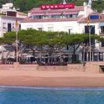 Cet hôtel à la gestion familiale est situé sur la plage de Llafranc. Il dispose d'un restaurant.