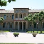L'Hotel Balneari Vichy Catalan est situé dans la ville thermale de Caldes de Malavella, dans un bâtiment de style néo-mudéjar du XIXe siècle. Il propose toute une gamme de soins de beauté et de bien-être.