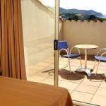 Situé à 200 mètres de la plage de La Fosca, l'hôtel Ancora propose une piscine extérieure, un terrain de tennis et un minigolf. Toutes les chambres sont climatisées et incluent une connexion Wi-Fi gratuite, une télévision à écran plat par satellite et une terrasse.