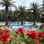 Le Camping Valldaro est situé en Catalogne, juste à la sortie de Platja d'Aro, dans la région de Baix Empordà. Il dispose de 3 piscines extérieures, d'un minigolf et de courts de tennis, et propose des bungalows climatisés.