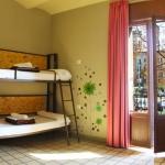 Située sur l'emblématique Plaça Catalunya, au cœur de la superbe ville historique de Gérone, cette auberge se trouve à quelques pas de la vieille ville. Les dortoirs de l'Equity Point Hostel Girona présentent une décoration moderne et sont bien équipées pour les voyageurs à petit budget.