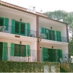 Situés à seulement 150 mètres de la plage, ces appartements lumineux et confortables se trouvent à Llafranc, sur la superbe Costa Brava. Chacun d'entre eux possède une terrasse privée et meublée.