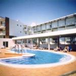Placé à Palafrugell, ville réputée pour sa beauté, cet hôtel dispose d'une piscine et d'un jardin, parfaits pour prendre de bons bains de soleil catalan. L'Hotel Port-Bo présente également un restaurant proposant des buffets équilibrés.