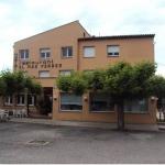 Situé à 3 km de Banyoles et à 15 minutes en voiture de Gérone, l'Hostal Mas Ferrer bénéficie d'un emplacement paisible et offre une vue sur la campagne de Pla de l'Estany. Un parking privé est disponible gratuitement sur place.