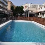 Lloret de Mar: séjournez au cœur de la ville  Le Maria del Mar est situé dans le centre de Lloret de Mar, à seulement 300 mètres de la plage. Il dispose de piscines intérieure et extérieure ainsi que d'une terrasse bien exposée.