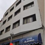 Lloret de Mar: séjournez au cœur de la ville  L'Apartamentos Blavamar - San Marcos est situé dans le centre de Lloret de Mar, à seulement 50 mètres de la plage et de la promenade de bord de mer. Ces appartements modernes disposent d'une télévision à écran plat.