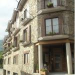 Situé à Planoles, dans la vallée de Ribes, le Fonda Cal Daldó dispose d'un restaurant et d'une connexion Wi-Fi gratuite dans ses parties communes. Les stations de ski La Molina et Masella sont à environ 30 minutes en voiture.