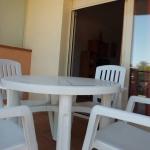 Doté d'un parking privé gratuit sur place, l'Apartament Rosa dels Vents vous accueille à 5 minutes de marche de la plage de Platja Gran et à 100 mètresdu port, à Platja d'Aro. Le Rosa dels Vents comprend un salon muni d'une télévision à écran plat, d'un canapé et d'une table à manger pour 6 personnes.