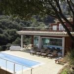 Doté d'une piscine extérieure et d'une vue sur la mer, l'Es Cel de Begur Hotel surplombe la côte. Entouré de jardins et de terrasses, cet hôtel climatisé dispose d'une connexion Wi-Fi gratuite.