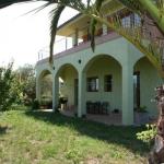 Doté d'une connexion Wi-Fi gratuite, la maison de campagne Can Quilis est située à Pontós. Implantée au cœur de l'Empordà, elle dispose de la climatisation et d'une terrasse meublée avec vue panoramique sur la campagne environnante.