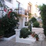 Roses: séjournez au cœur de la ville  Située à 5 minutes à pied du port de Roses, sur la Costa Brava, l'Agi Riu Segre Villa comprend une piscine extérieure. Cette maison de vacances se trouve à 500 mètres de la plage de Roses.