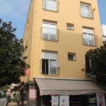 L'établissement Apartaments Can Claudi se trouve sur la Costa Brava, dans la ville de Tossa de Mar, à 400 mètres de la plage. Il vous propose des appartements confortables disposant de la climatisation.