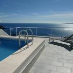 Doté d'une piscine sur le toit avec vue panoramique sur la mer, le Terrazas del Mar se trouve à 10 minutes en voiture du centre de Roses. Une connexion Wi-Fi est disponible gratuitement dans tout le logement.