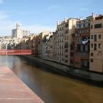 Doté d'une connexion Wi-Fi gratuite, l'Onyar River Center Apartments propose un appartement climatisé dans la vieille ville de Gérone. Situé à côté de l'Onyar, il offre une vue sur la cathédrale.