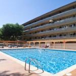 Situé à L'Estartit, le RVHotels Apartamentos La Pineda est installé à seulement 50 mètres de la plage. Il propose une piscine extérieure pour les adultes et les enfants.