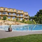 Le complexe RVHotels Apartamentos Torrevella possède 2 grandes piscines et de jolis jardins. Il est situé dans le quartier calme de La Torre Vella, à seulement 4 km de la station balnéaire de L'Estartit, sur la Costa Brava.