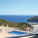 Offering an outdoor pool, Holiday home Pge. Garvinell is located in L'Escala.