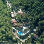 Le Camping El Maset se trouve à Begur, à 400 mètres de la plage de Sa Riera. Il est doté d'une piscine extérieure et vous permettra de pratiquer diverses activités sur place.