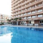 Doté d'une piscine extérieure, le Prestige Sant Marc est situé dans le quartier paisible de Santa Margarida, à proximité de la ville de Roses. Il est placé à seulement 500 mètres de la plage de Santa Margarida.