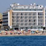 L'hôtel design Horitzó de Blanes offre une vue magnifique sur la Méditerranée et un accès direct à la plage de S'Abanell. Il met gratuitement à votre disposition une connexion Wi-Fi et une salle de sport.