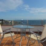 Doté d'une terrasse privée avec vue sur la mer, le J&V Diaz Pacheco 2 est un appartement indépendant situé à Roses, à 200 mètres de la plage. Un parking est gratuitement mis à votre disposition sur place.