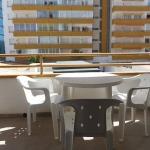 Situé sur le front de mer à Roses, le J&V Holiday 1110 est un studio indépendant avec balcon. Il possède un jardin commun avec une terrasse bien exposée et une piscine.