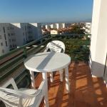 Roses: séjournez au cœur de la ville  Le J&V Luxemburgo 3 est situé dans la ville pittoresque de Roses. Doté d'une piscine extérieure et d'un balcon, l'appartement se trouve à 20 minutes à pied de la plage.