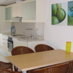 Situé à L'Estartit, l'Apartamentos Rodamar dispose d'une piscine commune. Il propose des appartements climatisés dans le quartier résidentiel d'Els Griells, à 50 mètres de la plage.