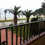 Situé à Sant Antoni de Calonge, l'Apartamentos Primera Linea Torre Valentina propose des appartements en bordure de plage avec terrasse meublée privée et vue sur la mer. Ils comprennent le chauffage et une connexion Wi-Fi gratuite.