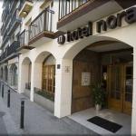 Lloret de Mar: séjournez au cœur de la ville  Situé à 500 mètres de la plage de Lloret de Mar et à 3 minutes de marche du centre-ville de Lloret, l'Hotel Norai est doté d'une réception ouverte 24h/24 et de chambres climatisées. Certaines d'entre elles possèdent un grand balcon privé.