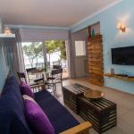 Situé sur la plage de Canyelles, l'Agi Marina Apartments bénéficie d'une vue imprenable sur la baie de Rosas depuis la terrasse privée de chaque appartement. Un parking privé est disponible gratuitement.