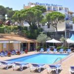 Le S'Agaró Mar Hotel est situé à seulement 170 mètres d'une plage de la baie de Sant Pol, sur la Costa Brava. Installé au sein d'une pinède, il possède une terrasse bien exposée avec une piscine extérieure et une vue sur la mer.