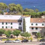 Le Xaloc à Platja D'Aro est un beau petit hôtel près de la mer où vous pouvez vraiment profiter de vos vacances. C'est le lieu idéal pour les familles et nous recevons les enfants avec plaisir.