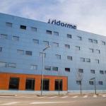 Situé près du centre commercial Espai Gironès de Gérone, le Sidorme Girona est bien relié à l'autoroute A7 et à l'aéroport de Gérone. Il met gratuitement à disposition un parking, une connexion Wi-Fi et du café.