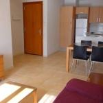 Lloret de Mar: séjournez au cœur de la ville  La résidence Unio se trouve à Lloret de Mar, à 150 mètres de la promenade de bord de mer. Elle vous accueille dans des appartements avec balcon privé et télévision.