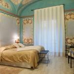 Situé dans la ville de Begur, sur la Costa Brava, l'Hotel-Spa Classic Begur occupe une maison restaurée du XIXe siècle ornée de plafondsdécoratifs et de fresques d'origine. Il propose des chambres climatisées avec une connexion Wi-Fi gratuite et un balcon ou une terrasse.
