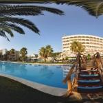 Situé à 1 km de la plage de Lloret de Mar, l'Evenia Olympic Garden dispose de piscines extérieures et de toboggans. Un spa et une salle de sport sont également accessibles moyennant des frais supplémentaires.