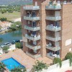 Located in Roses, Apartment Daniel offers an outdoor pool. This self-catering accommodation features WiFi.