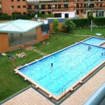 Located in Lloret de Mar, Apartment Santa Cristina offers an outdoor pool. The property is 3 km from Water World and 600 metres from Fenals Beach.