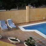 Holiday home Llevant is located in L'Escala. There is a full kitchen with a dishwasher and a microwave.