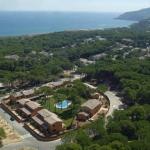 Le Casas Golf Relax est situé à 500 mètres du parcours de golf de Platja de Pals et à 600 mètres de la plage de Pals. Le complexe dispose d'un jardin avec piscine extérieure.
