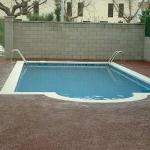 Situé à L'Escala, à 15 minutes à pied de la plage, le Rambla Mallals dispose d'une piscine commune et d'un coin repas extérieur avec barbecue. La maison comprend un coin salon avec un canapé et une table à manger.