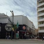 Lloret de Mar: séjournez au cœur de la ville  L'Apartaments SOL Ponent en Lloret de Mar est situé à 300 mètres de la plage de Lloret de Mar et à 850 mètres du centre-ville. Une connexion Wi-Figratuite est accessible dans les parties communes.