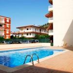 Situé à L'Estartit, le Victoria Park dispose d'une piscine extérieure commune et d'un parking gratuit sur place. Cet appartement spacieux se trouve à seulement 75 mètres de la plage.