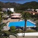 Roses: séjournez au cœur de la ville  Situé à 2 km de la plage de sable de Roses, l'Agi Rescator Resort possède une piscine extérieure et un jardin. Cet hébergement indépendant offre d'une vue sur la montagne et le jardin.